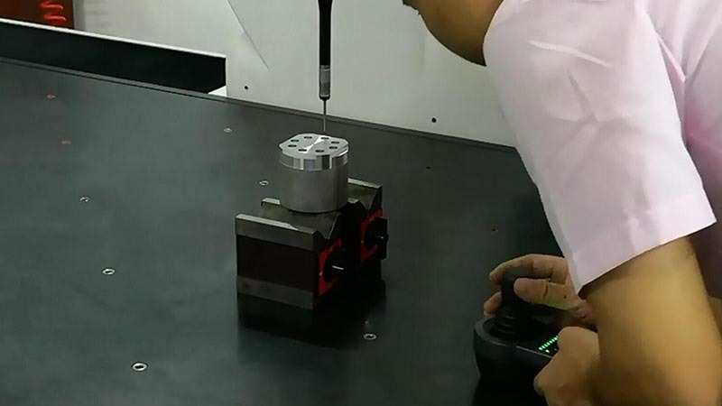 Turning center lathe machine B8D indexing accuracy test (2)